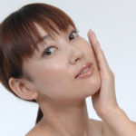 アンチエイジングの化粧品で15歳若い肌を取り戻す6つのステップ