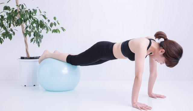 自宅で10分間サーキットトレーニングをするだけで筋力と体力を維持する方法